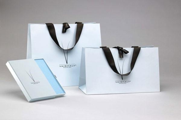 Mẫu túi giấy đẹp cho shop thời trang cao cấp